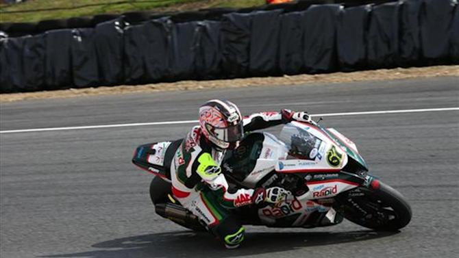 Superbikes - Thruxton BSB: Byrne edges Bridewell to lead opening practice