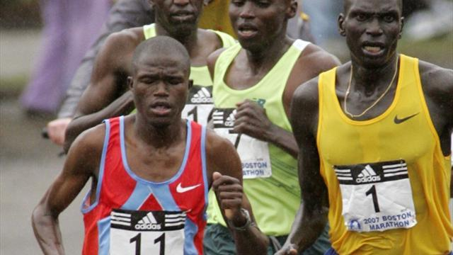 Athletics - Kenya's Kwambai defends Seoul Marathon title