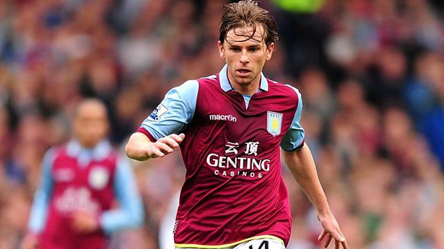 Premier League - Holman to leave Villa