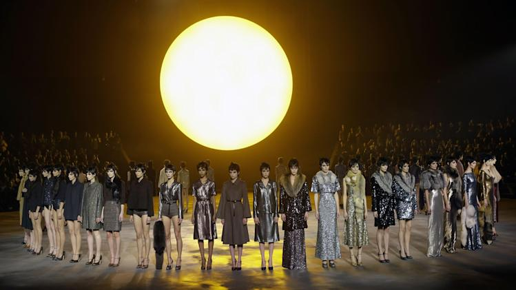 Models are shown during the Marc Jacobs Fall 2013 fashion show Fashion Week in New York, Thursday, Feb. 14, 2013.  (AP Photo/Kathy Willens)