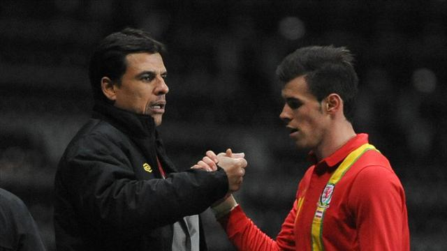Football - Coleman hails Bale after win