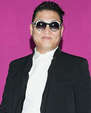 """Psy Debuts New """"Gentleman"""" Music Video and Dance"""