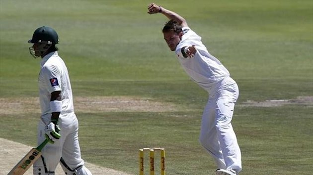 South Africa's Dale Steyn celebrates after taking the wicket of Pakistan's Mohammad Hafeez during the second day of their first Test cricket match in Johannesburg (Reuters)