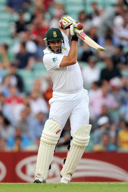 Jacques Kallis hit 147 in South Africa's first innings total of 450
