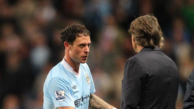 Wayne Bridge (left)
