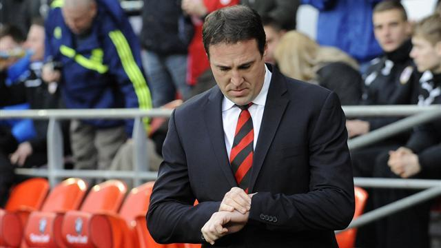 Premier League - Cardiff sack Mackay, Solskjaer installed as favourite