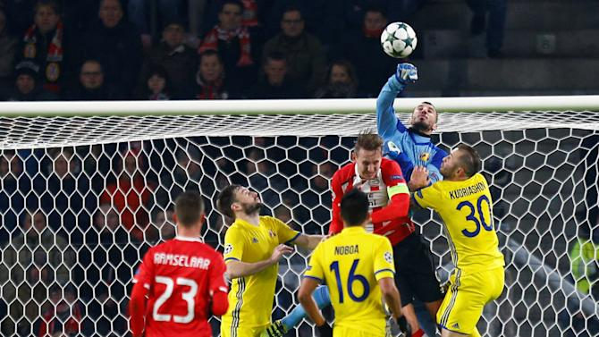 Football Soccer - PSV Eindhoven v Rostov - Champions League Group Stage - Group D