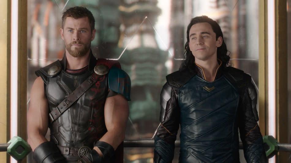 <p>11.雷神索爾、洛基:在三集《雷神索爾》中,索爾與洛基這對兄弟之間的感情互動相當有趣,從一開始的互不諒解、一正一邪,到後來兄弟倆的同心協力,讓人更愛這對兄弟。雖然洛基似乎已在《復仇者聯盟:無限之戰》的開頭中喪命,但之後是否還有機會復活呢?(圖:迪士尼) </p>