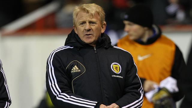 Football - Trio could return - Strachan