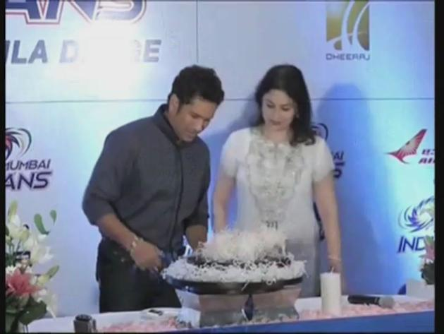 Sachin Tendulkar shows gratitude to fans on his 40th b'day