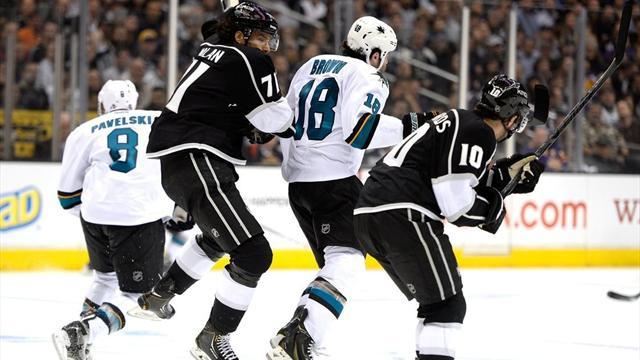 NHL - Sharks edge thriller, Rangers beat Flyers