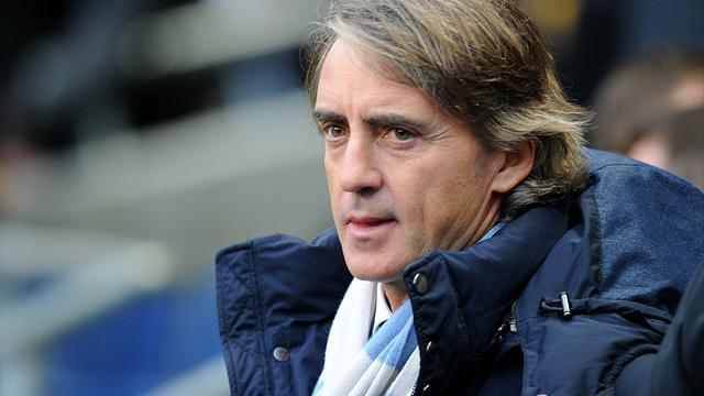 Premier League - Mancini: Too many teams play 'soft' against United