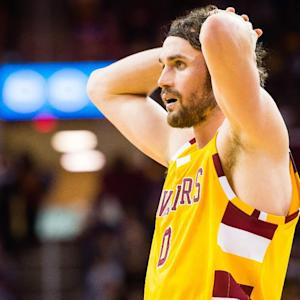 Cavaliers' Kevin Love (shoulder contusion) leaves game vs. Lakers