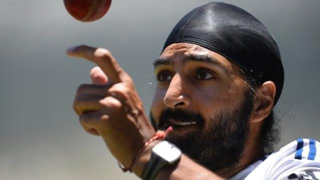 Ashes - Cricket Australia apologise for Panesar gaffe on Twitter