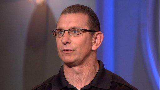 Robert Irvine Talks 'Food Network Star' Twist