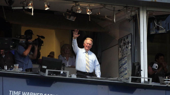 Scully humbled to return to Dodgers booth in '15