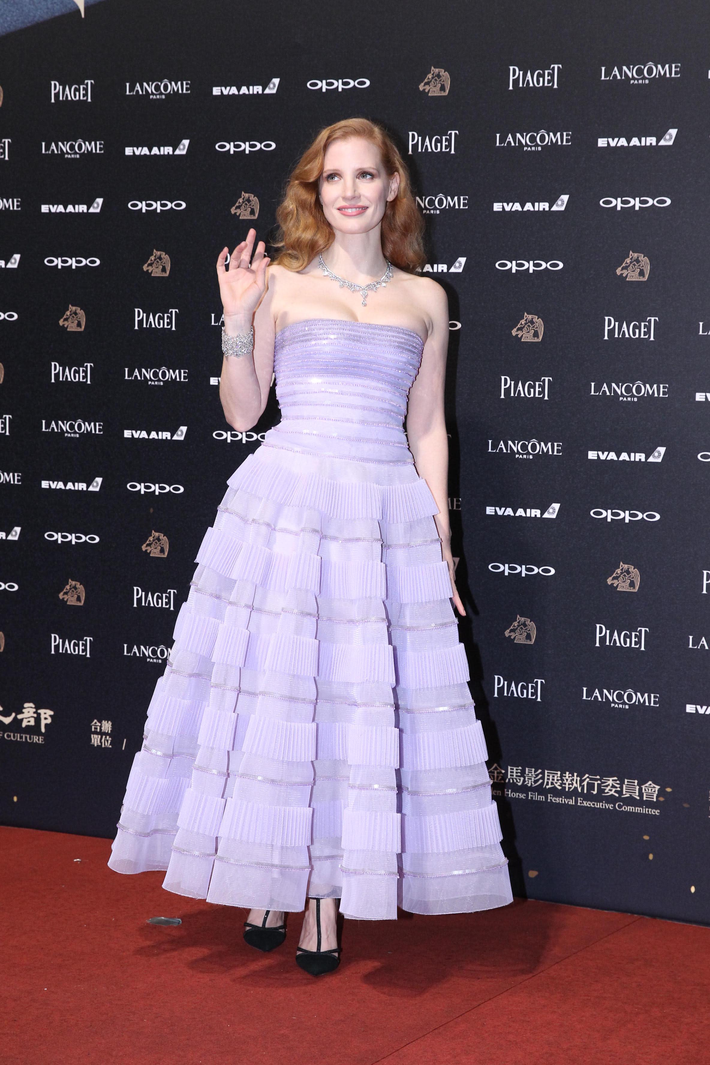 <p>紅毯壓軸女星是PIAGET大使,國際影后潔西卡崔絲坦(Jessica Chastain)這次來到台灣,一襲薰衣草紫平口洋裝現身金馬紅毯,並頒獎最佳女主角獎項。(達志影像) </p>