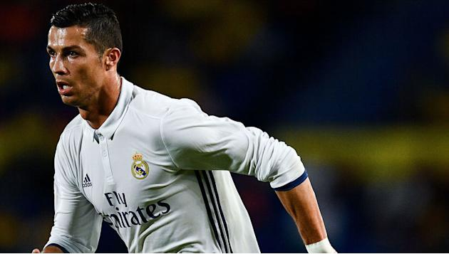 Cristiano Ronaldo's Mum Sends Message of Support After Real Madrid Star Gets Subbed by Zidane