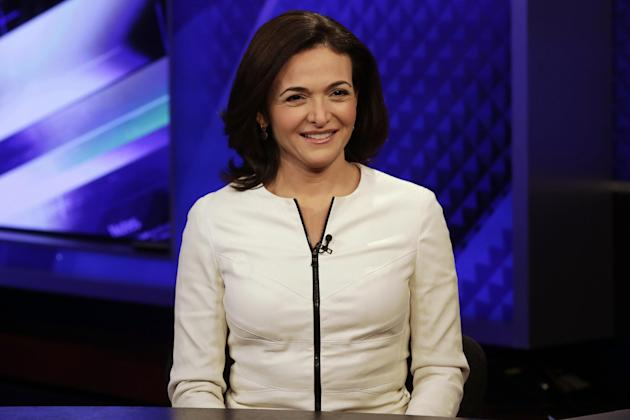 """Facebook COO Sheryl Sandberg is interviewed by Megyn Kelly, during a segment of her Fox News Channel """"The Kelly File,"""" program, in New York,  Thursday, March 5, 2015. Sandberg has enlisted NBA stars L"""
