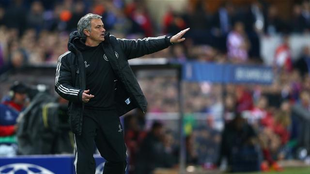 Premier League - Mourinho wants to play 'reserves' against Liverpool