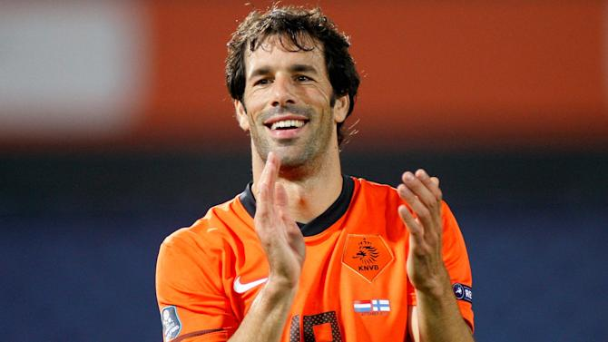 Euro 2016 - Van Nistelrooy named as Dutch assistant coach