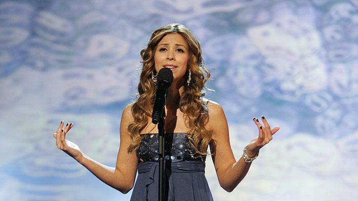 Alaina Alexander performs in front of the judges on the 6th season of American Idol.
