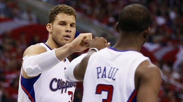 Basketball - Paul sidelined with separated shoulder