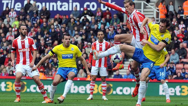 Premier League - Fluke Pieters goal enough for Stoke against Newcastle