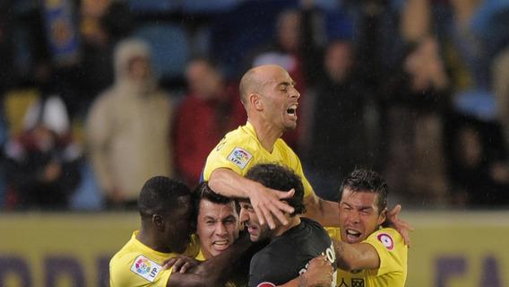 Villarreal's Dutch Midfielder Hernan Perez (C) Celebrates AFP/Getty Images