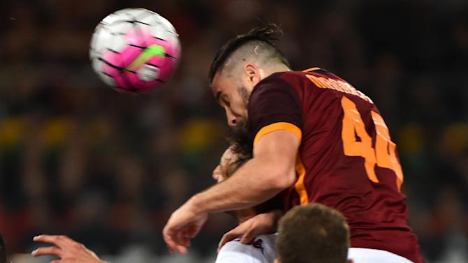 Manchester United, Manchester City and Chelsea all trying to sign Roma defender Kostas Manolas