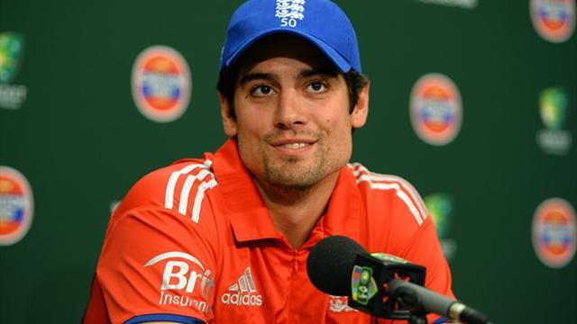 Cricket - Giles has faith in Cook as England captain