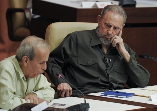 Former Cuban president Fidel Castro (R) listens to the President of the Cuban Parliament Ricardo Alarcon, during a special session of the Cuban Parliament, on August 7, 2010 in Havana. Alarcon, the long-time head of Cuba's National Assembly, is absent from an official list of candidates for the February legislative election -- meaning he will soon leave office.