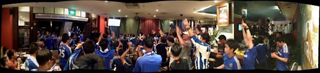 Chelsea fans celebrating the Champions League win. (Photo courtesy of Chelsea Singapore fan club/ Anita Shewchuk)