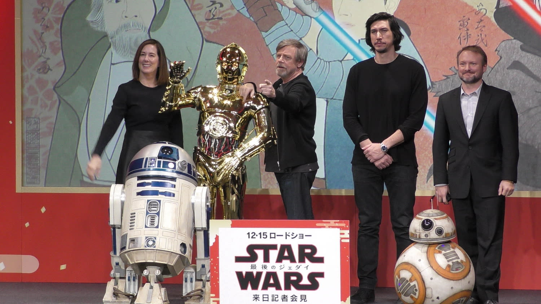 <p>導演萊恩強森也解釋道,凱莉費雪的片中演出相當美麗優雅,希望影迷透過她在電影裡的演出,能夠稍微淡忘她已經離世的難過事實。《Star Wars:最後的絕地武士》將於12月13日晚場起在台上映。 </p>