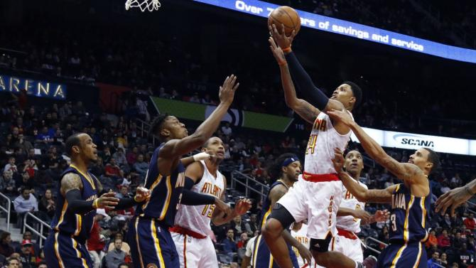 NBA Friday: Hawks hold on against Pacers, Spurs and Mavericks renew rivalry