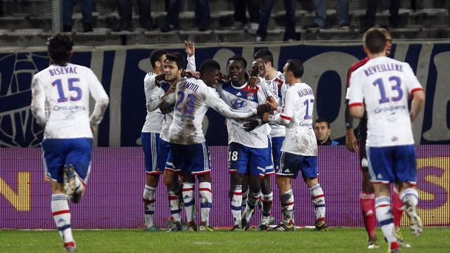 Ligue 1 - Lyon hammer Marseille to go top
