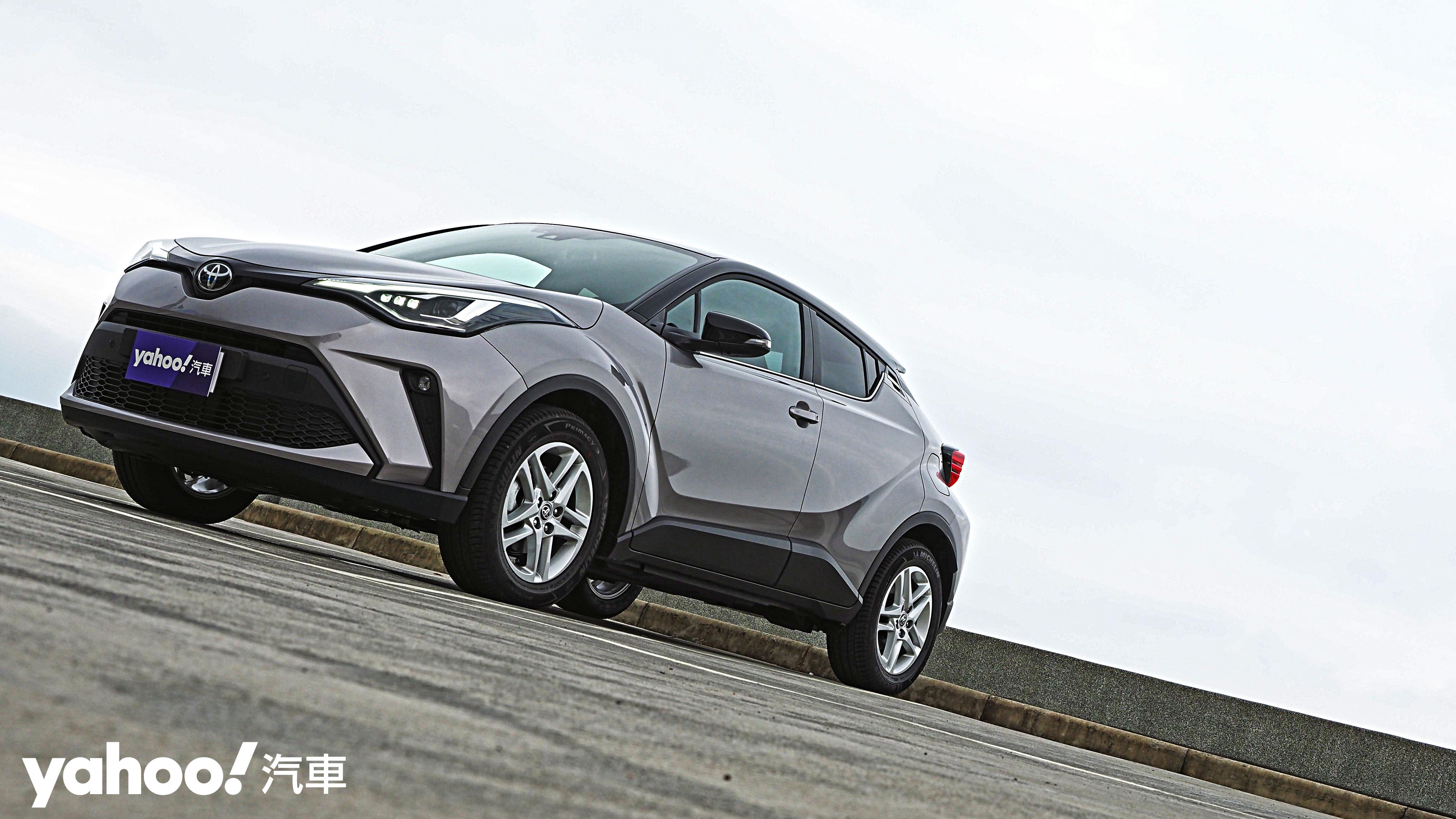 【新車圖輯】玩心四溢的視覺勁道力!2020 Toyota C-HR尊爵AWD小改款試駕!