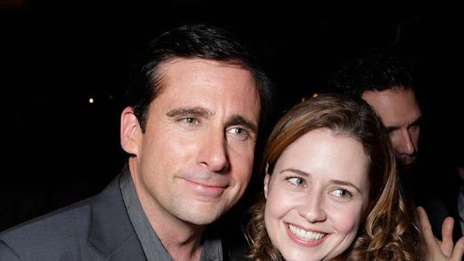 """Steve Carell and Jenna Fischer at the World Premiere of Touchstone Pictures """"DAN IN REAL LIFE"""" at the El Capitan Theatre."""