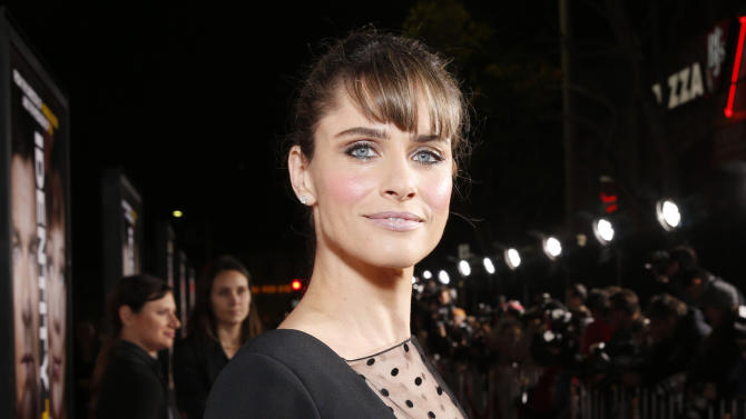 "FILE - This Feb. 4, 2013 file photo shows actress Amanda Peet at the world premiere of ""Identity Thief"" at the Mann Village Westwood in Los Angeles. Peet is hoping to make her professional debut as a playwright next season with a play that may attract Blythe Danner and Sarah Jessica Parker. The Manhattan Theater Club said Tuesday that it wants to stage the world premiere of Peet's ""The Commons of Pensacola"" as part of its 2013-2014 season. Lynne Meadow, artistic director of the company, will direct. (Photo by Todd Williamson/Invision/AP, file)"