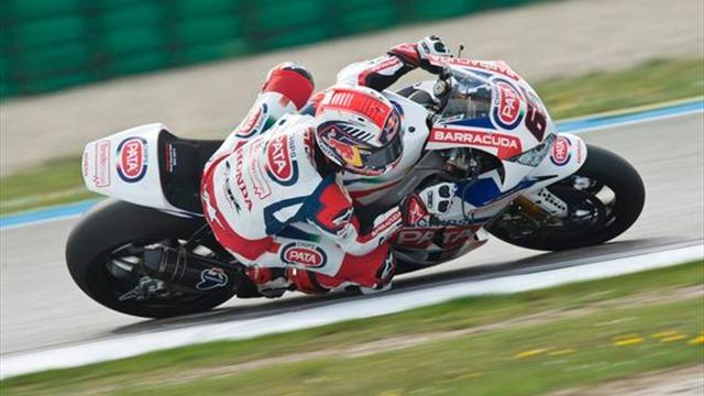 Superbikes - WSBK: Rea wins wet race two as Lowes takes debut podium