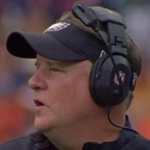 Why are former Philadelphia Eagles taking shots at head coach Chip Kelly?