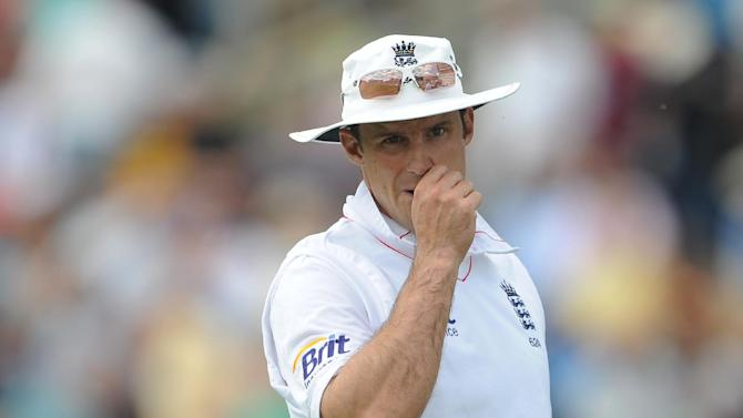 Andrew Strauss does not think off-the-pitch issues will distract England