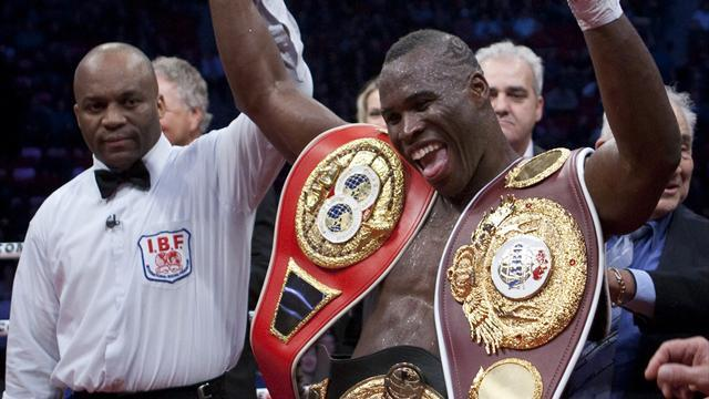 Boxing - Stevenson beats Cloud, set to defend title against Bellew