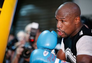 Floyd Mayweather Jr. works out in preparation for his fight against Marcos Maidana. (Getty)