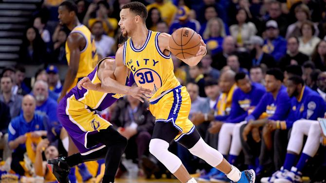 The Fifth Quarter: Stephen Curry leads Warriors to NBA-record 16-0 start