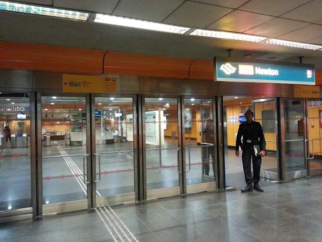 SCDF personnel were deployed to Newton MRT station.