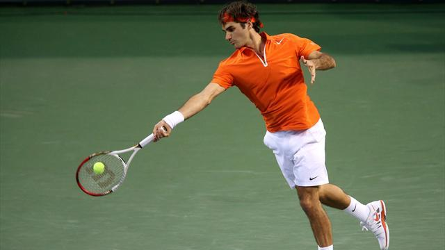 Tennis - Federer and Nadal to meet, Murray and Djokovic through