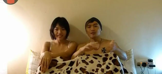 Infamous sex bloggers Vivian Lee and Alvin Tan come up with a video series to discuss sex. (YouTube video screengrab)