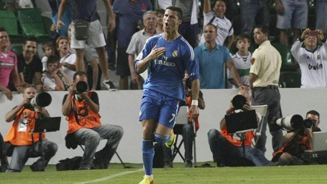 Liga - Ronaldo penalty rescues Real Madrid