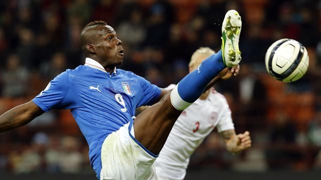 Premier League - Paper Round: Balotelli 'moving stuff back to Italy'